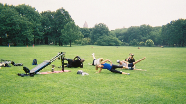 Full body - side plank with a hip raise, 10 reps