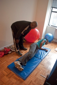 Full body - side planks/hip extensions